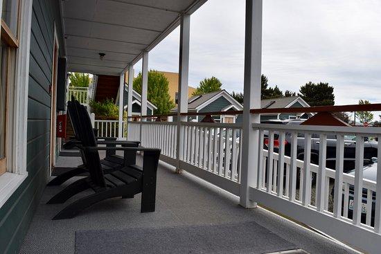 Swan Hotel: porch