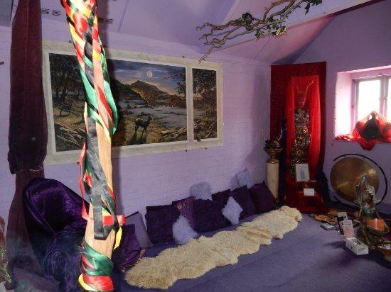 Glastonbury Goddess Temple: Goddess Temple interior