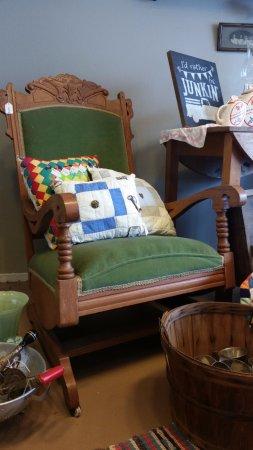 Bedford, IN: Antique furniture