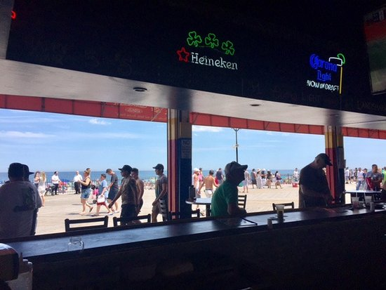 Seaside Heights, NJ: Our seat at the bar overlooking the boardwalk
