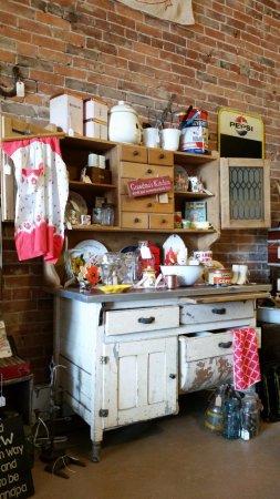 Bedford, IN: Vintage kitchen items
