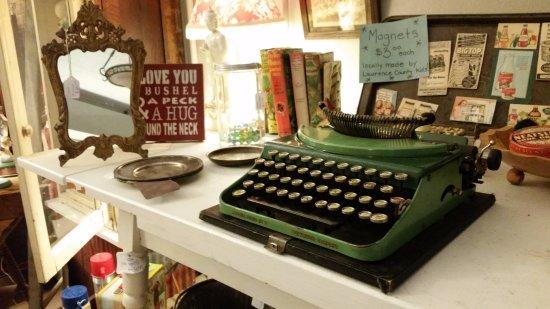 Bedford, IN: Typewriters