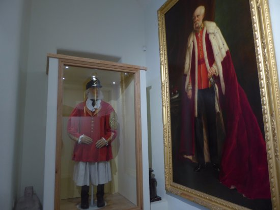 Marazion, UK: Historical Garments and Oil Painting