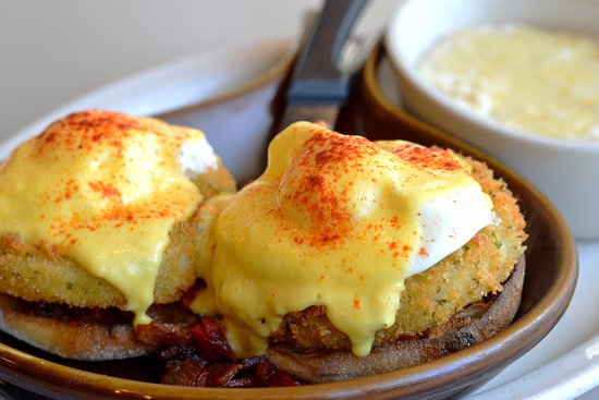 Geneva, IL: Fried Green Tomato Benedict