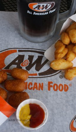 Portage, WI: Finger food...Corn Dog Nuggets and Wisconsin Cheese Curds!