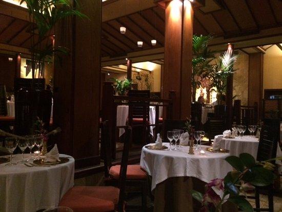 Thai Barcelona Royal Cuisine Restaurant: Ambiente