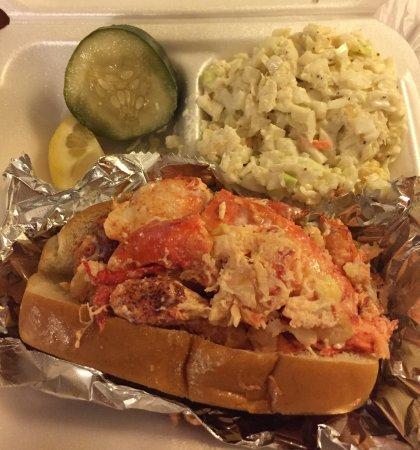 Ridgeland, SC: Yummy Connecticut Lobster Roll