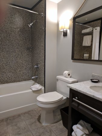 Kimpton amara resort spa 179 4 0 3 updated 2017 - Nicely decorated bathrooms ...
