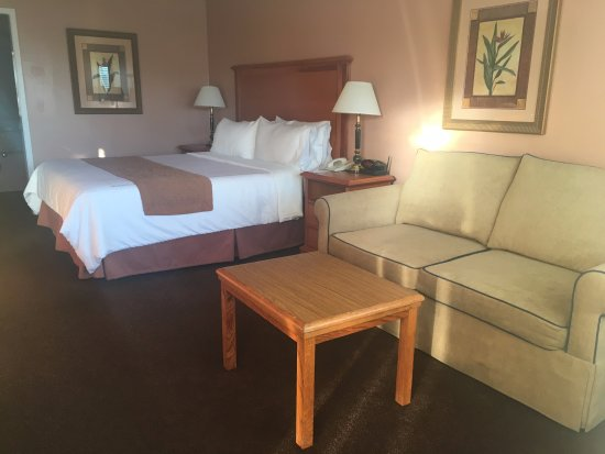 Millbrae, CA: King bed, sofa bed in guest room