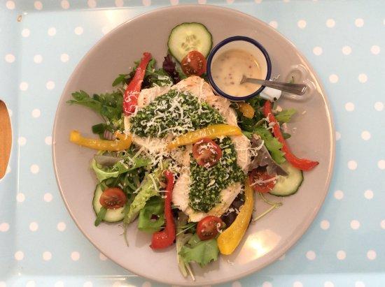 Hinton St George, UK: Chicken Salad with Green Pesto