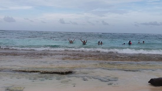 Decameron San Luis: Playa frente hotel