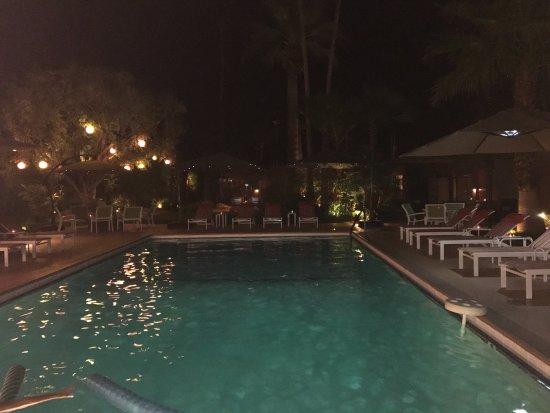Desert Riviera Hotel: Night time bliss!!