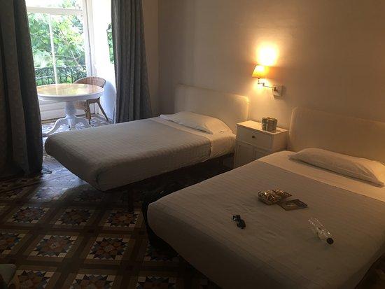 Hostal Martina: отличные кровати и матрацы! подушки так себе, но вцелом очень ок