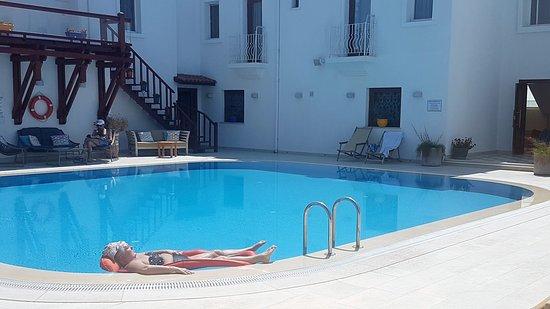 The Corner Hotel: Hotel Swimmimg Pool