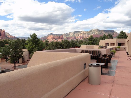 Best Western Plus Inn of Sedona: How about this for a setting? So pleasant on balcony