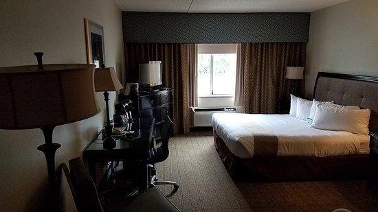 Williamsville, NY: 20170627_171405_large.jpg