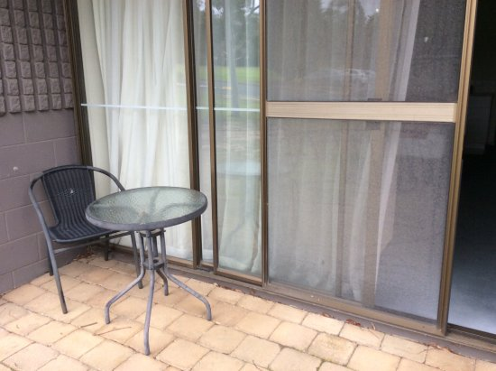 Wantirna, Australia: Chair outside room