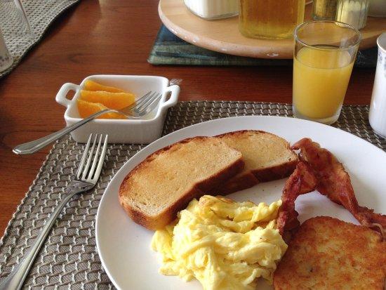 La Scie, Canada: Delicous made to order breakfast..
