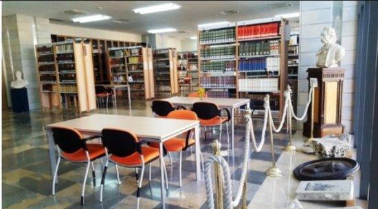 Biblioteca Comunale Tommaso Cannizzaro