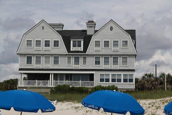 Elizabeth Pointe Lodge.