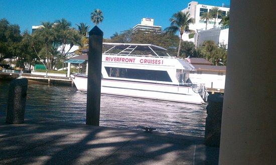 Riverfront Cruises 이미지