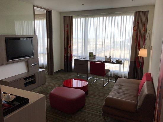 Hotel Novotel Taipei Taoyuan International Airport: Living room