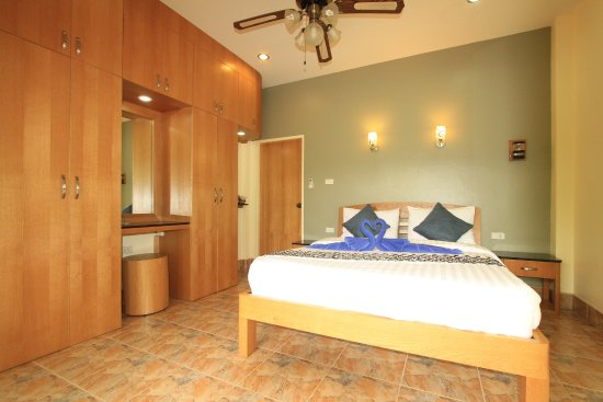 Gillhams Fishing Resorts: Front Bedroom Holiday Bungalow