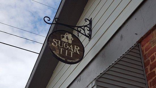 Reidville, SC: Sugar Tit Moonshine Distillery