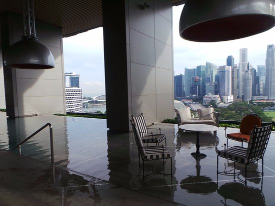 Infinity Pool On High Floor Picture Of Jw Marriott Hotel Singapore South Beach Singapore