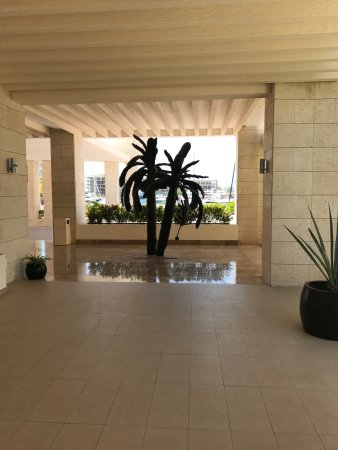 Beloved Playa Mujeres: Outdoor Sculpture