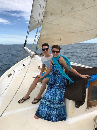 Wayward Wind Charters Fiji: We stayed two nights on the Wayward Wind and it was an amazing time! Captain Aaron and his crew
