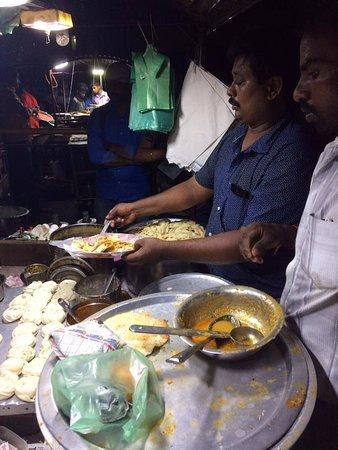 T Nagar, Ranganathan Street: Parotha Stall at Street