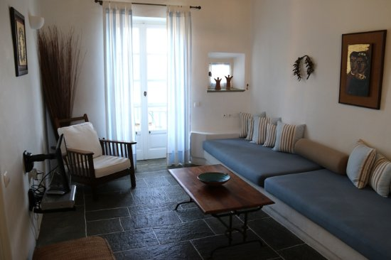 Niriedes Hotel : Living Room