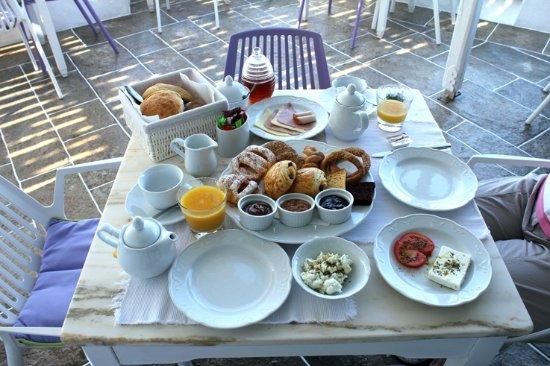 Platis Yialos, Grecia: Breakfast (1)