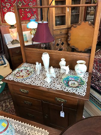 Abingdon, Virginie : Oak wash stand