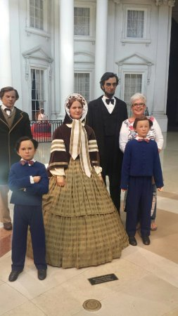 Biblioteca y Museo Presidencial de Abraham Lincoln: The Lincolns and Sherry.