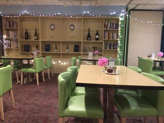 Kirkland, WA: Inside the cafe