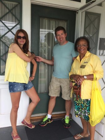 Dexter Parsonage Museum - Dr. Martin Luther King home : I have decided to stick with love. Hate is too great a burden to bear.