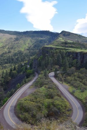 Mosier, OR: In one direction is the view of the horseshoe shaped road.