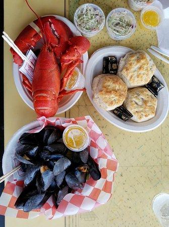 Southwest Harbor, ME: Beal's Lobster Pier