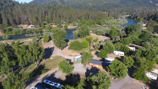 Lewiston, كاليفورنيا: Areal View of Trinity River Resort