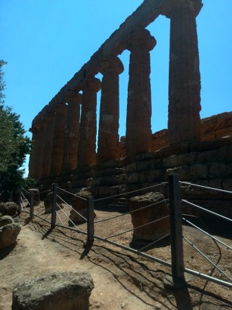 Valley of the Temples (Valle dei Templi): IMG_20170620_112444_large.jpg