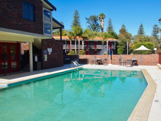 Kings Park Motel: Outdoor pool
