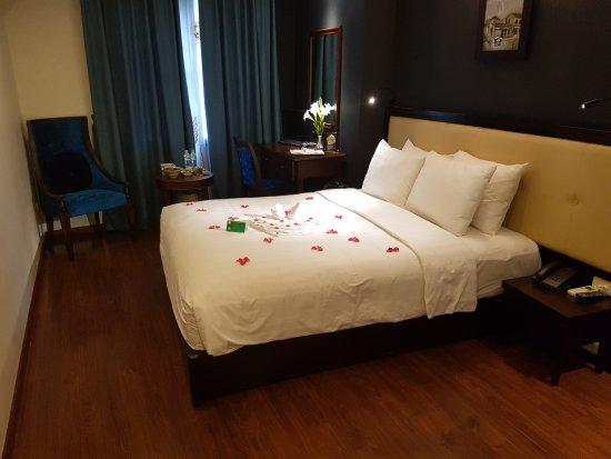 Serene Premier Hotel: 20170623_160906_large.jpg