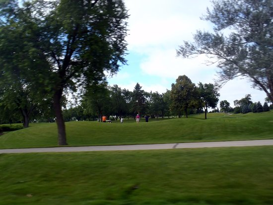 golfers at Bloomingdale Golf Club