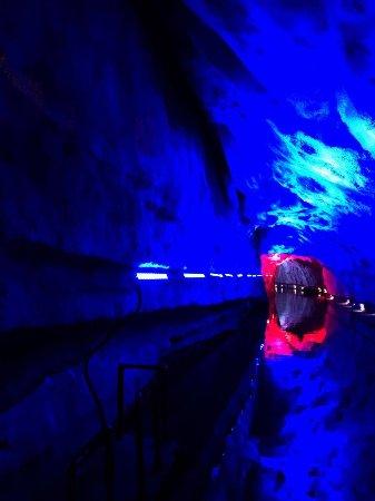 Longyan, China: 洞穴出口