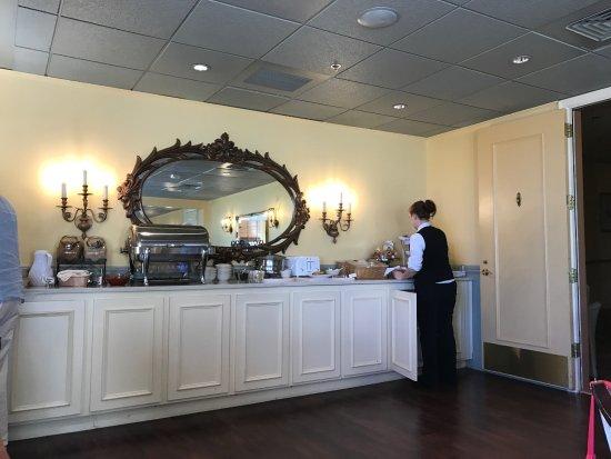 Ashland Springs Hotel: Breakfast bar