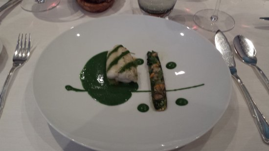 Le Pont de Brent : Entry with fish and absinth taste sauce
