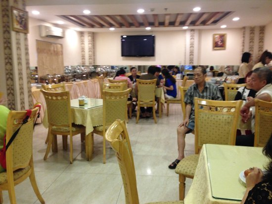 Hoang Phu Gia Hotel: Breakfast : small area