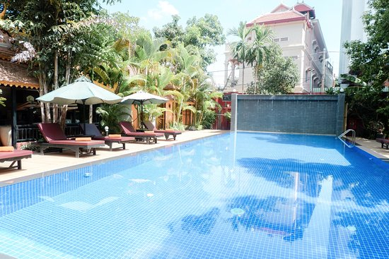 Central Boutique Angkor Hotel: They have two pools. This is the bigger one.